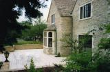 New conference facilities building in natural stone to Manor hotel